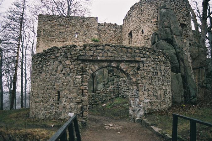 zamek-bolczów-m