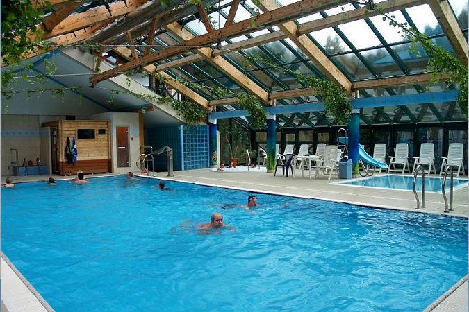 basen-w-hotelu-jan-wojcieszyce